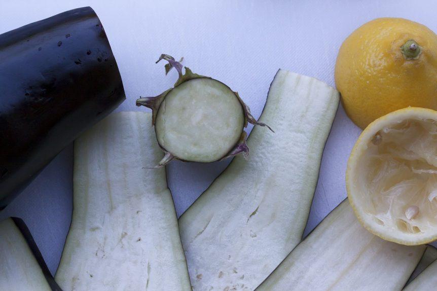 Pasta fredda con melanzane e pomodori secchi